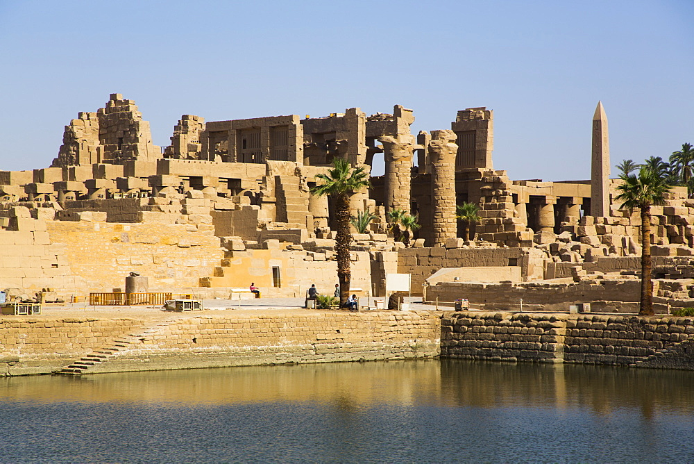 Sacred Lake, Karnak Temple Complex, UNESCO World Heritage Site, Luxor, Thebes, Egypt, North Africa, Africa - 801-2988
