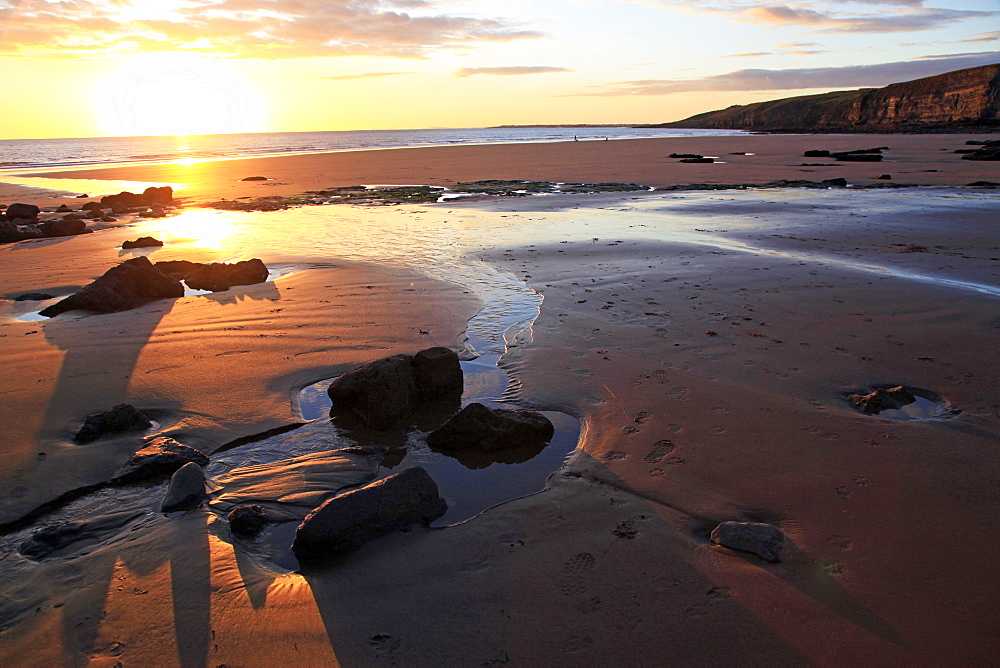 A beach at low tide near Ogmore, Vale of Glamorgan, South Wales, United Kingdom, Europe - 802-367