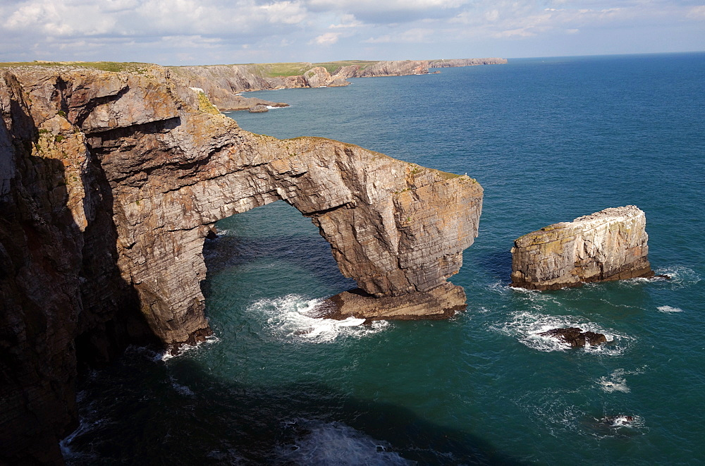 The Green Bridge of Wales, Pembrokeshire Coast National Park, Wales, United Kingdom, Europe