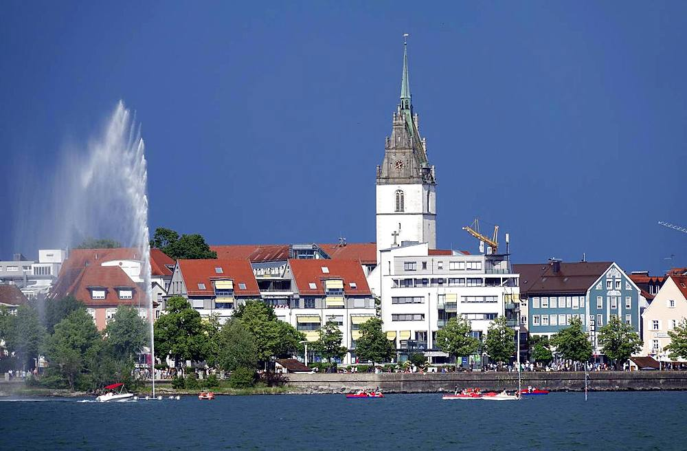 Friedrichshafen and Lake Konstanz (Laek Constance) (Bodensee), Baden-Wurttemberg, Germany, Europe - 802-495