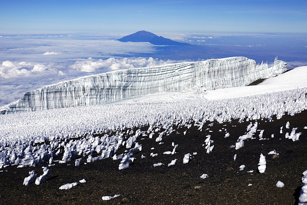 The summit plateau of Uhuru peak, Africa's highest point, Kilimanjaro, UNESCO World Heritage Site, Tanzania, East Africa, Africa - 802-523