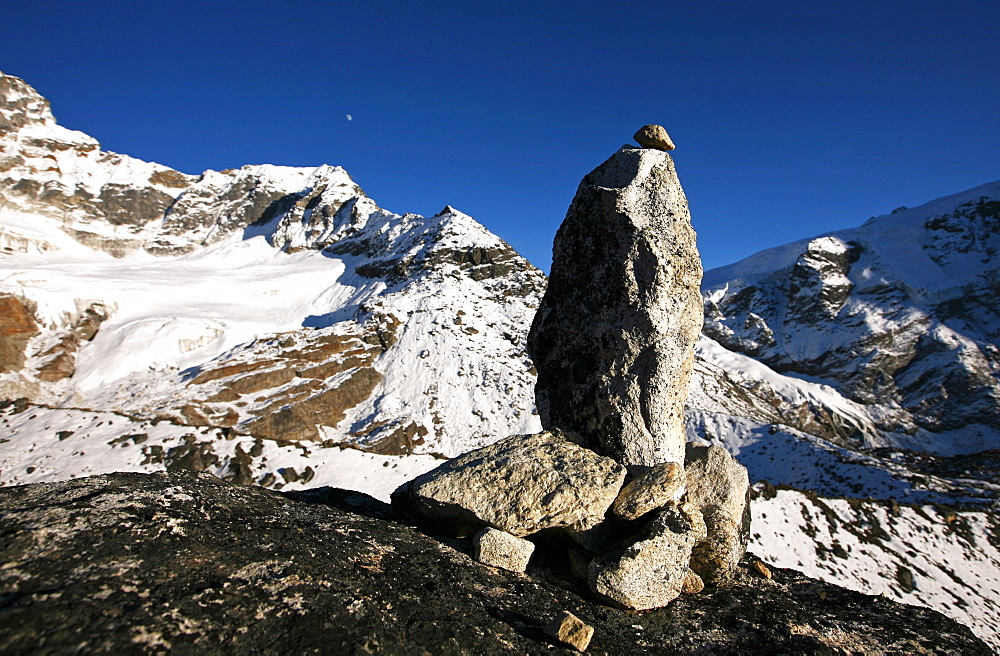Mountain landscape with cairn, high Khumbu, Himalayas, Nepal, Asia - 802-537