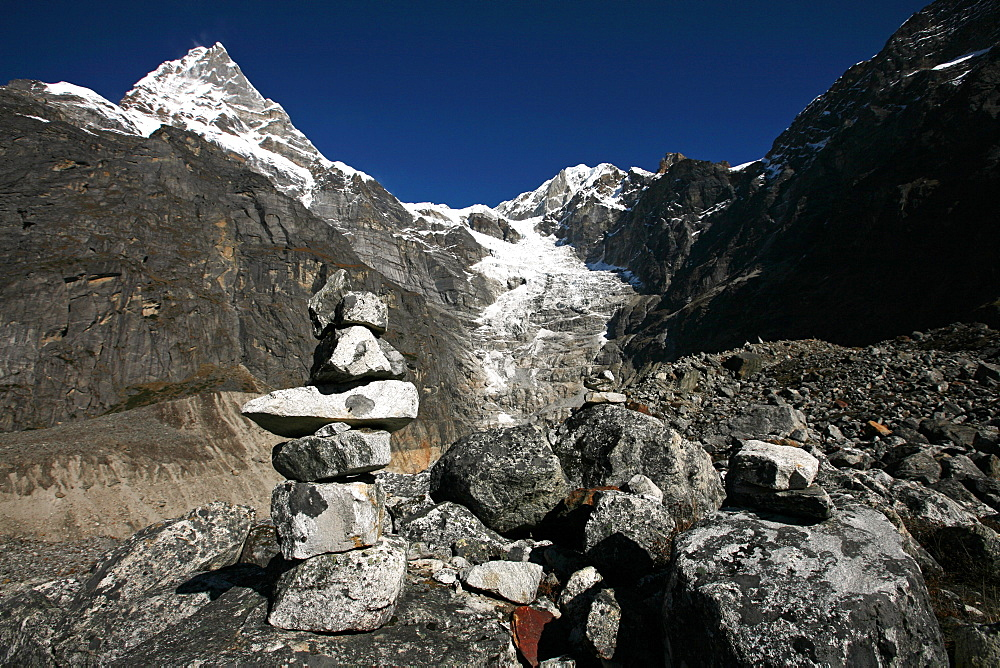 Mountain landscape with cairn, high Khumbu, Himalayas, Nepal, Asia