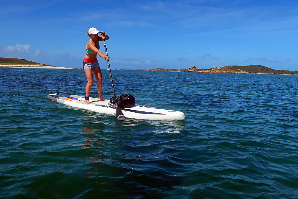 Paddle boarder crossing from Bryher to St Mary's, Isles of Scilly - 802-584