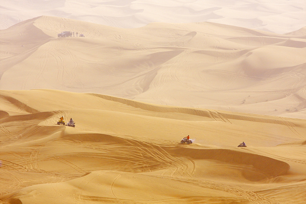 Desert safari, Dubai, United Arab Emirates, Middle East - 804-134