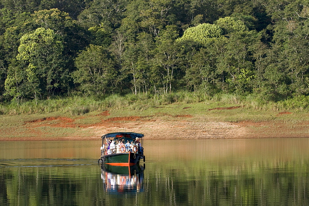 Boating, Periyar Tiger Reserve, Thekkady, Kerala, India, Asia - 804-342