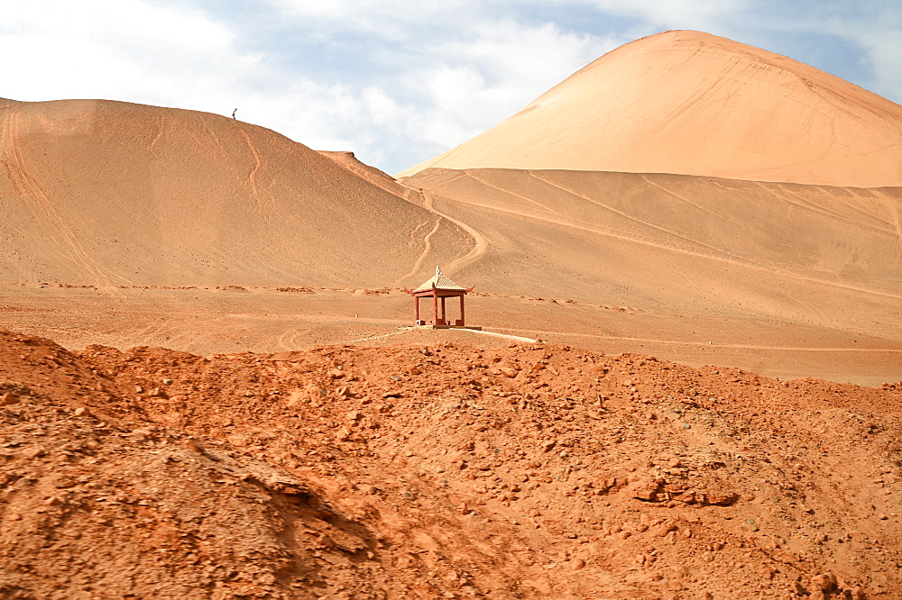Shrine in the vast Taklamakan desert near Bezeklik, Xinjiang, China, Asia