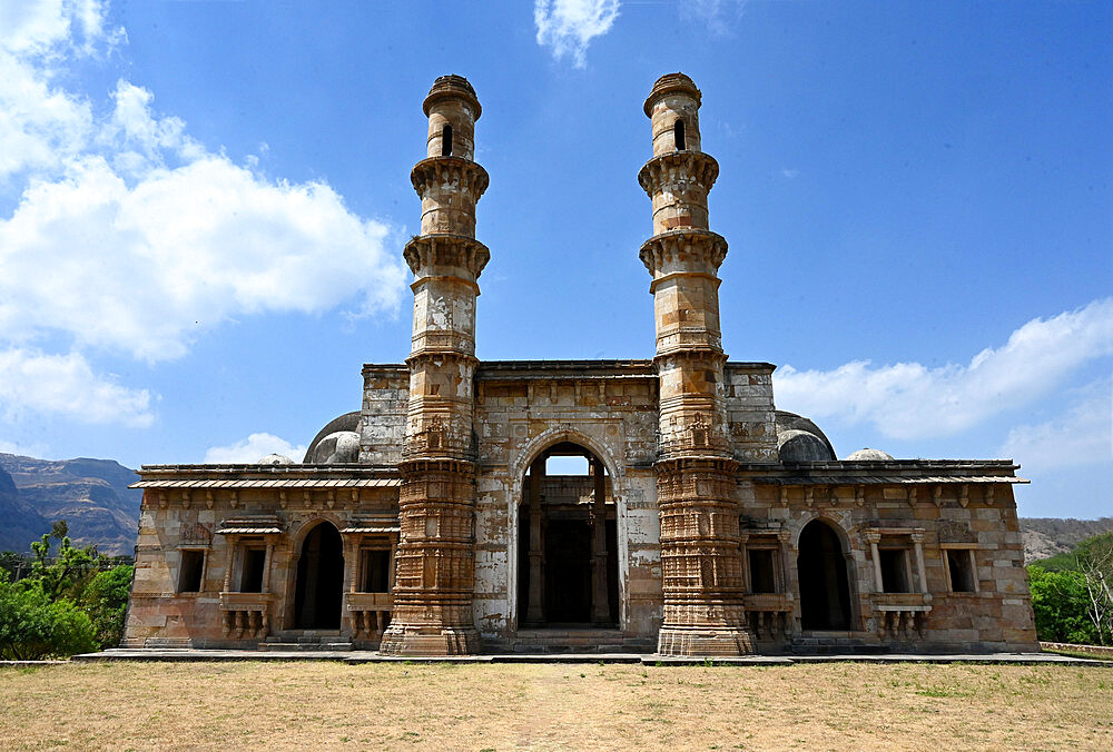 Nagina Masjid, jewel mosque, built in 15th century during rule of Mahmud Beghada, Champaner UNESCO Heritage park