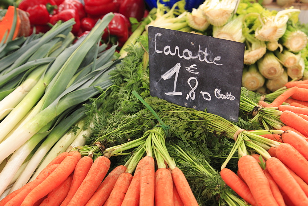 Marche Forville (Forville Market), Cannes, Alpes Maritimes, Cote d'Azur, French Riviera, Provence, France, Europe
