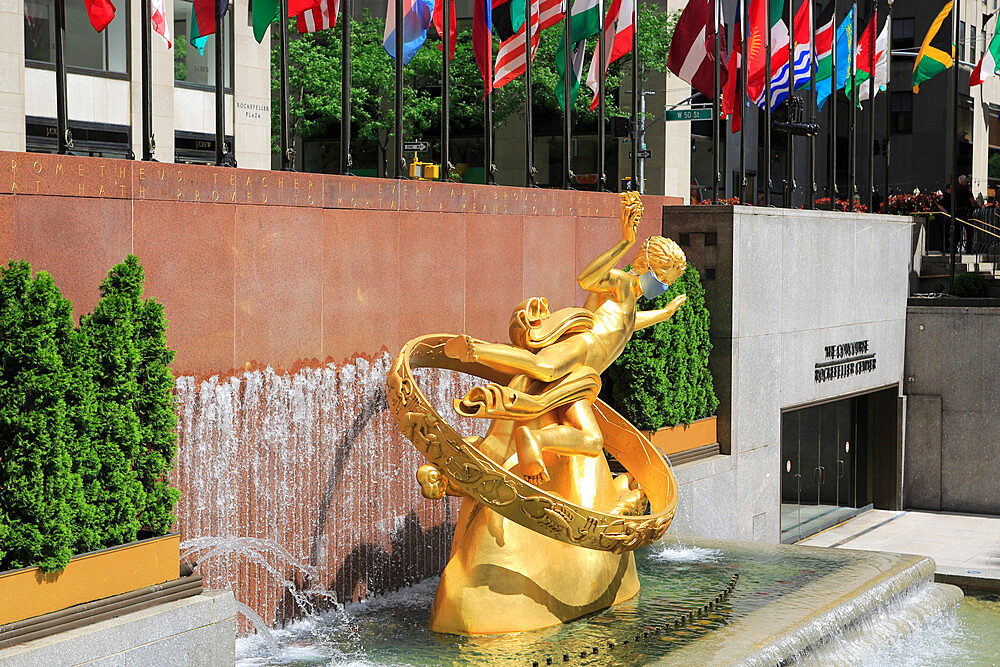 Prometheus Statue Wearing Mask During Coronavirus, Covid-19 Pandemic, Rockefeller Center, Plaza, Manhattan, New York City, USA - 807-2038
