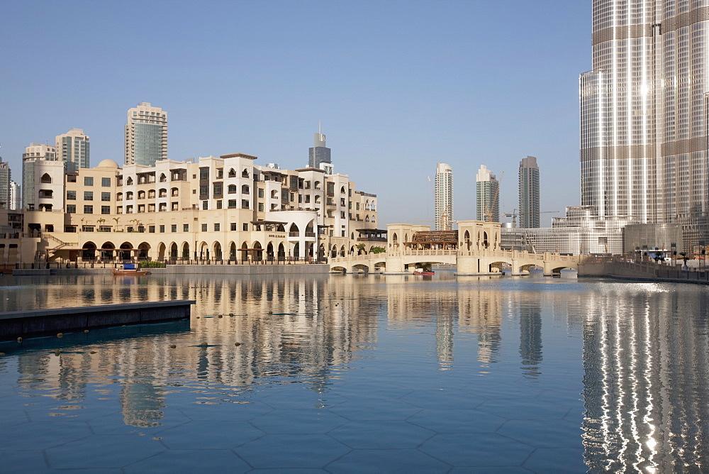 Souk Al Bahar and Burj Khalifa, formerly the Burj Dubai, Downtown Burj Dubai, Dubai, United Arab Emirates, Middle East