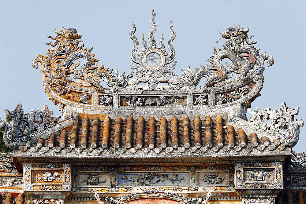 Roof detail with dragon, The Imperial City, UNESCO World Heritage Site, Hue, Vietnam, Indochina, Southeast Asia, Asia - 809-7855