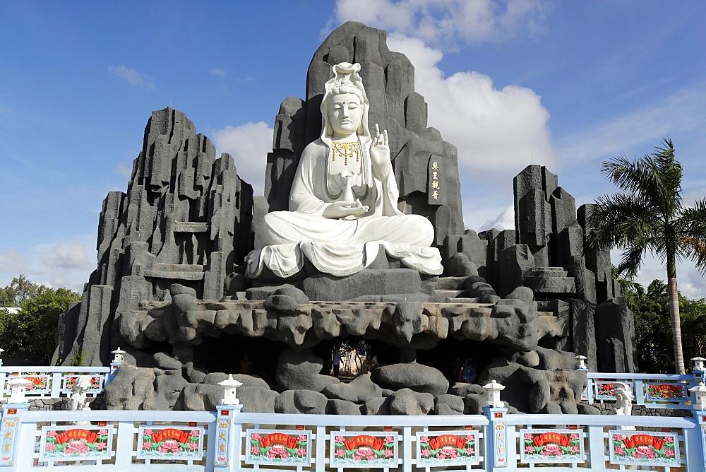 Bodhisattva Avalokitehvara, Guan Yin Statue (The Goddess of Mercy), Huynh Dao Buddhist Temple, Chau Doc, Vietnam, Indochina, Southeast Asia, Asia