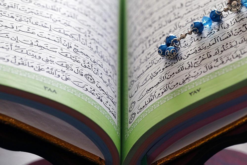 Quran and Tasbih (Muslim prayer beads), France, Europe - 809-8112