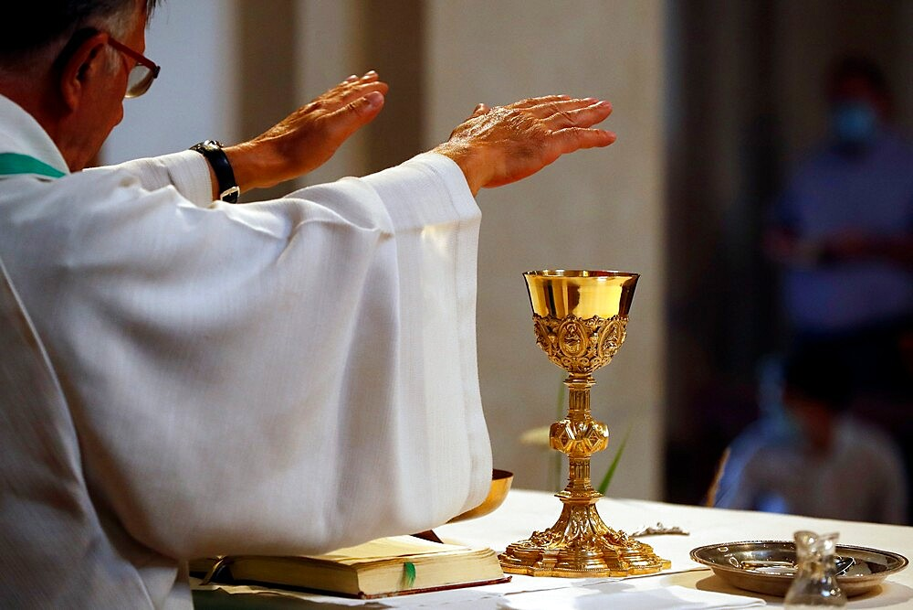 Catholic church during covid-19 epidemic, Sunday Mass, Holy Communion, Saint Gervais, Haute-Savoie, France, Europe - 809-8192