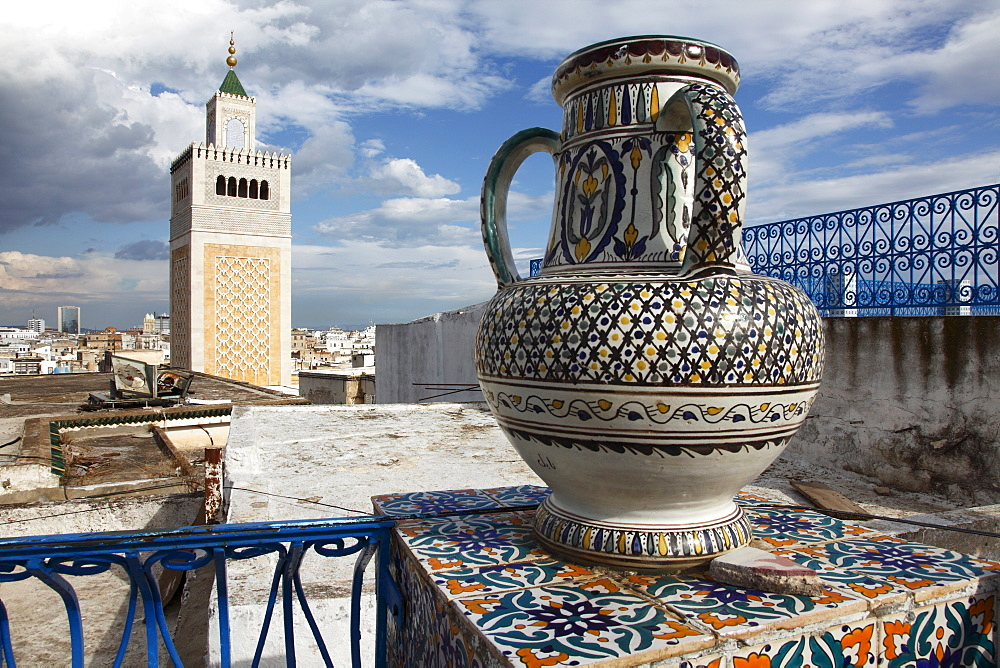 Minaret of the Great Mosque (Jamaa el Zitouna ) and local pottery, Medina, UNESCO World Heritage Site, Tunis, Tunisia, North Africa, Africa - 813-110