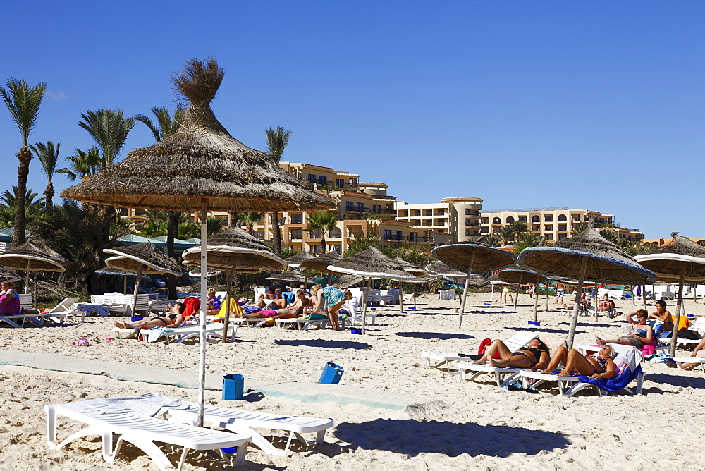 Beach scene in the tourist zone of Sousse, Gulf of Hammamet, Tunisia, North Africa, Africa - 813-202