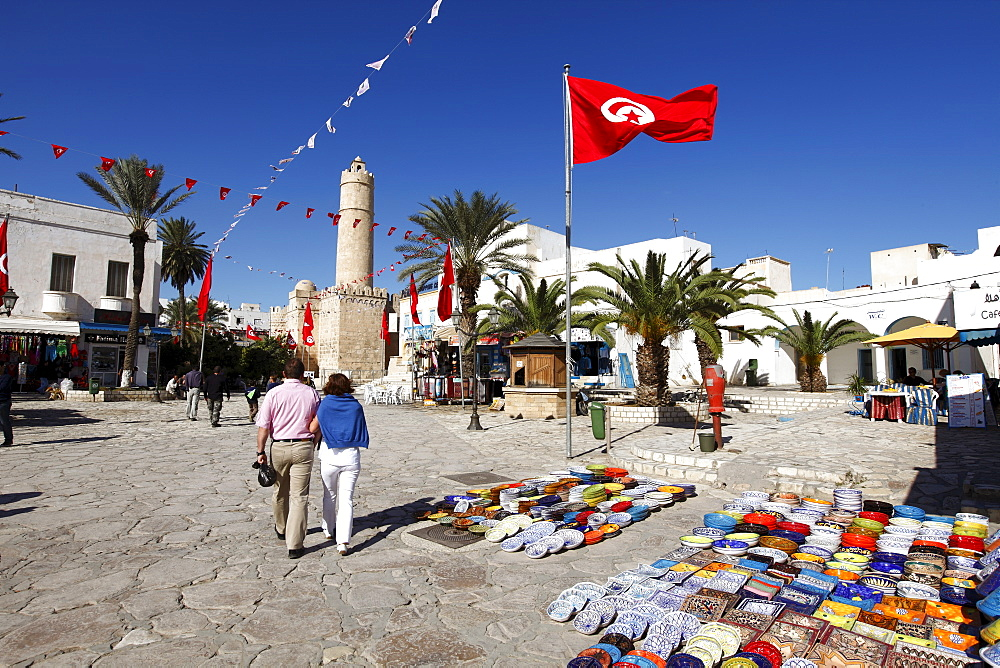 Handicraft shop in front of the Ribat, Place de la Grande Mosque, Medina, Sousse, Tunisia, North Africa, Africa - 813-210
