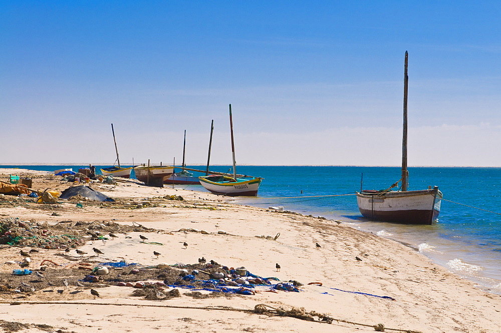 Traditional sailing boat in the Banc d'Arguin, UNESCO World Heritage Site, Mauritania, Africa