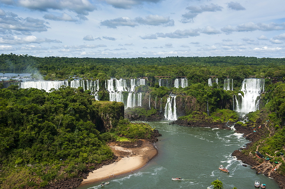 Foz de Iguazu (Iguacu Falls), the largest waterfalls in the world, Iguacu National Park, UNESCO World Heritage Site, Brazil, South America  - 816-4969
