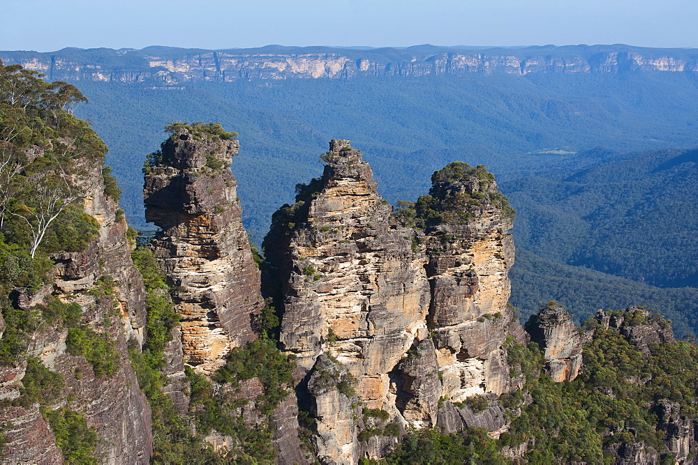 The Three Sisters and rocky sandstone cliffs of the Blue Mountains, New South Wales, Australia, Pacific