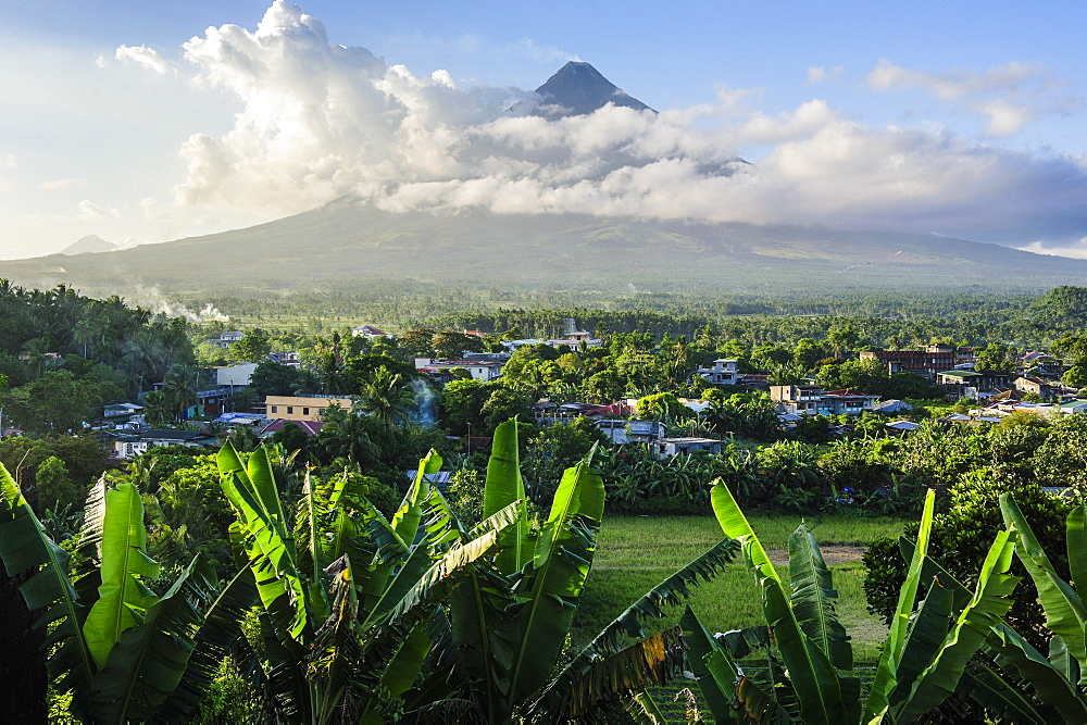 View from the Daraga Church to the volcano of Mount Mayon, Legaspi, Southern Luzon, Philippines, Southeast Asia, Asia