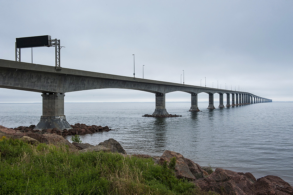 Confederation Bridge linking New Brunswick with Prince Edward Island, Canada, North America