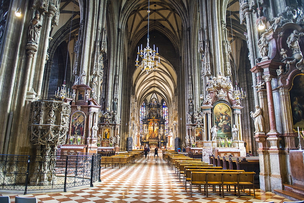Interior of the Stephansdom (St, Stephen's Cathedral), Vienna, Austria, Europe
