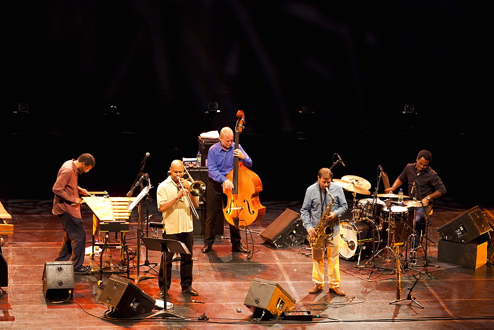 Dave Holland Quintet, Montreal Jazz Festival, Montreal, Quebec, Canada, North America - 818-1307