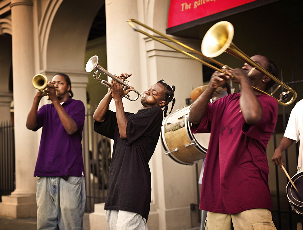 Street musicians playing jazz in front of the Cabildo, French Quarter, New Orleans, Louisiana, United States of America, North America - 818-512