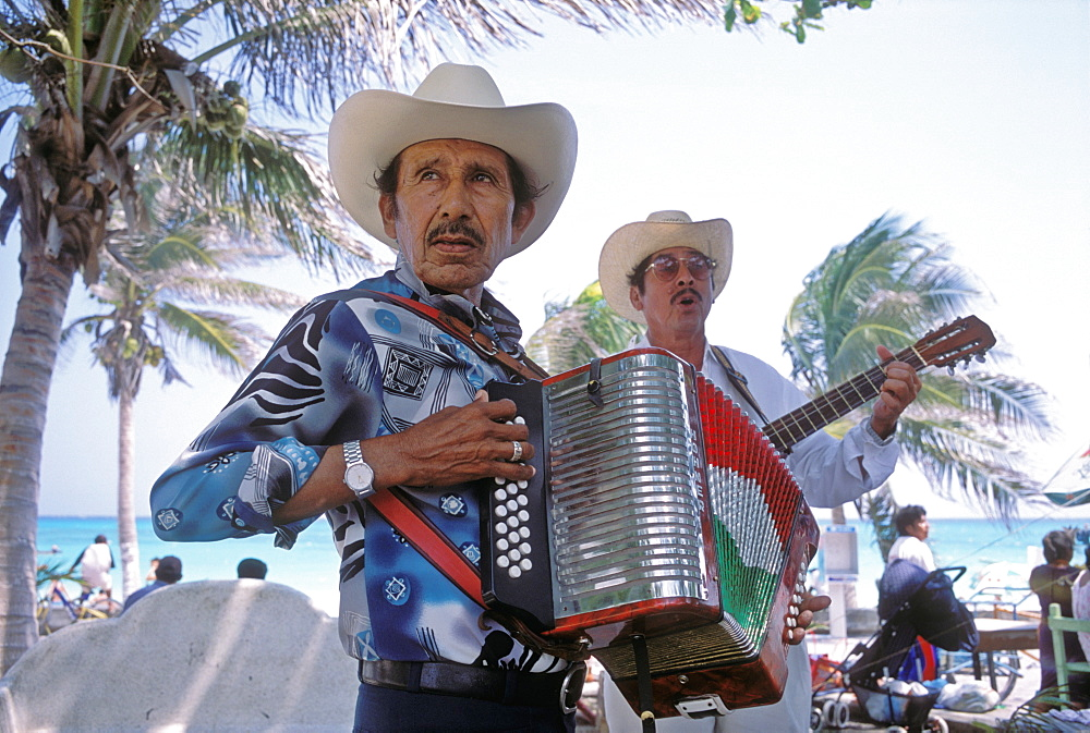Two street musicians, Playa del Carmen, Mexico, North America