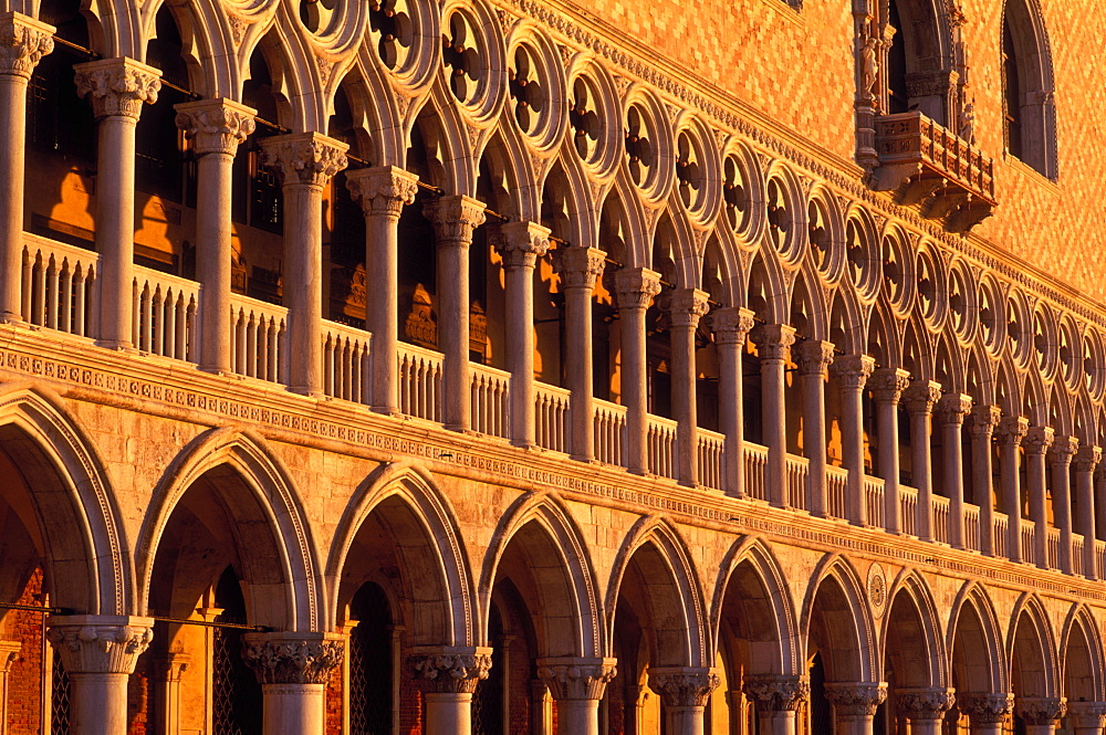 Exterior facade of arches on the Doge's Palace, (Palazzo Ducale), Venice, UNESCO World Heritage Site, Veneto, Italy, Europe - 818-754