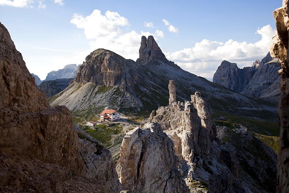 Locatelli refuge on the Tre cime di Lavaredo walk,  Dolomites, eastern Alps, South Tyrol, Bolzano province, Italy, Europe