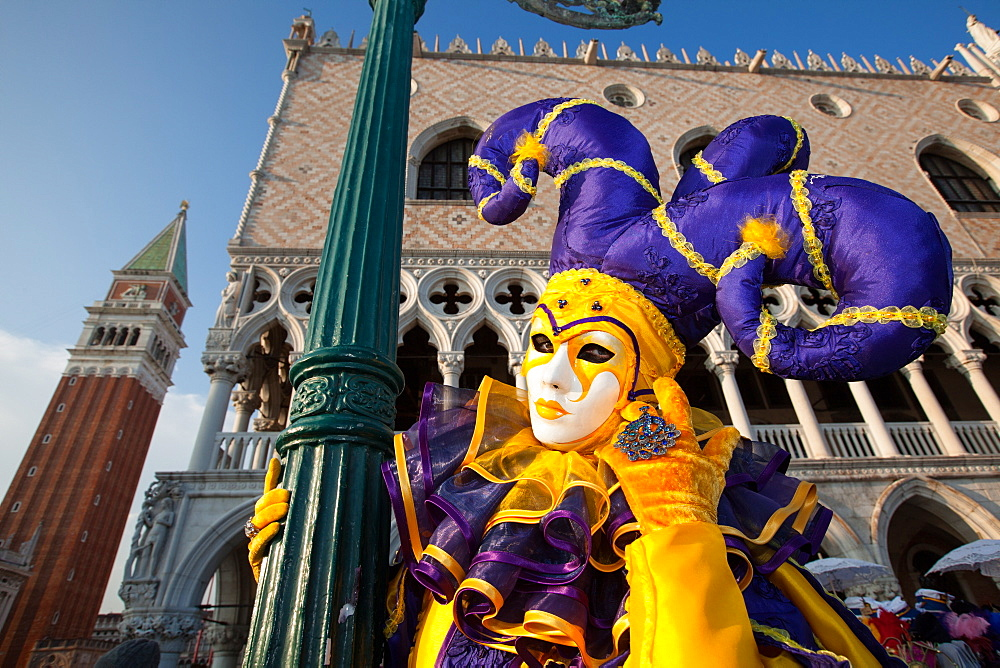 Carnival masks and costumes during Venice Carnival, St. Mark's Square, Venice, Veneto, Italy, Europe - 819-451