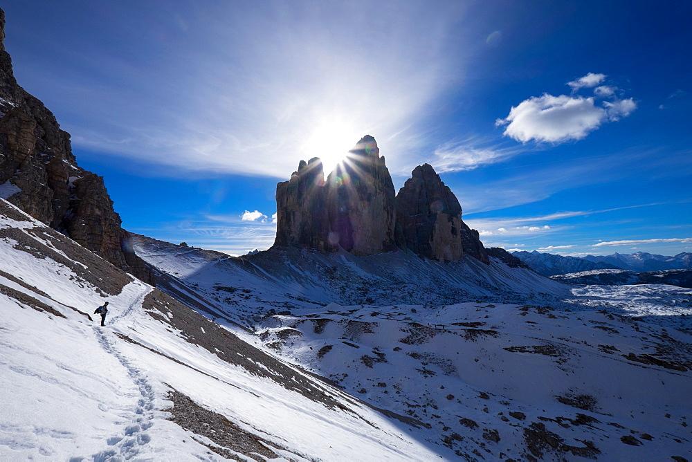 Tre Cime di Lavaredo and the trail around them, Auronzo, Belluno, Veneto, Dolomites, Italy, Europe - 819-462