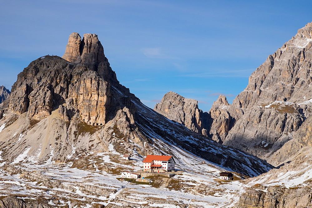 Torre di Toblino and Locatelli refuge on the trail around Tre Cime di Lavaredo, Sesto, Bolzano, South Tyrol, Trentino-Alto-Adige-Sudtirol, Dolomites, Italy, Europe