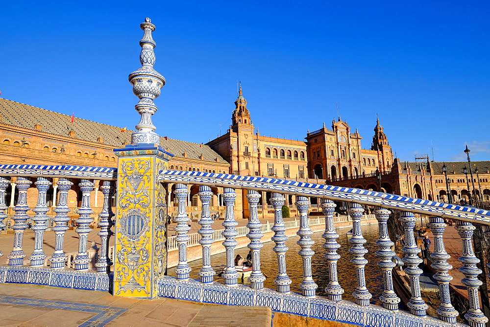 Plaza de Espana, built for the Ibero-American Exposition of 1929, Seville, Andalucia, Spain, Europe