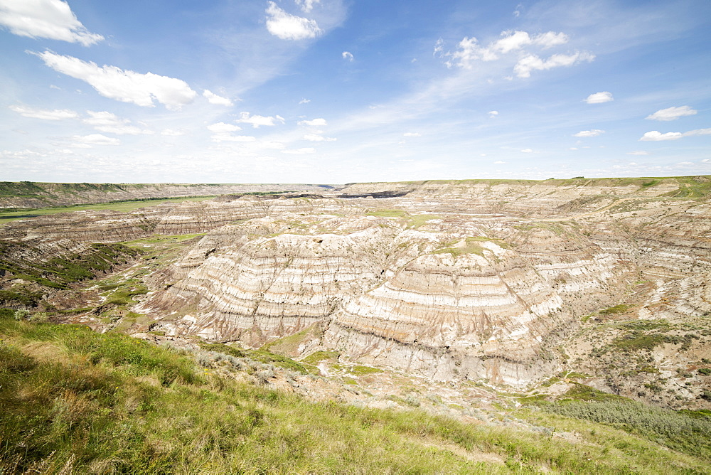 Horsethief Canyon in the Badlands of Alberta, near Drumheller, Alberta, Canada, North America - 826-674