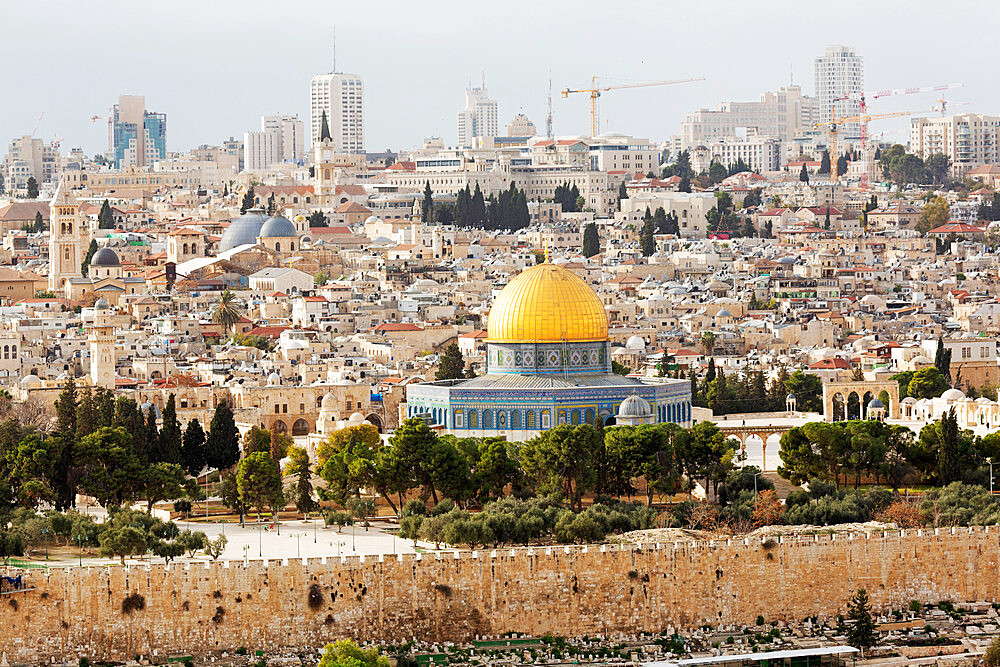 The Dome of the Rock, an Islamic shrine, in the Old City, UNESCO World Heritage Site, Jerusalem, Israel, Middle East