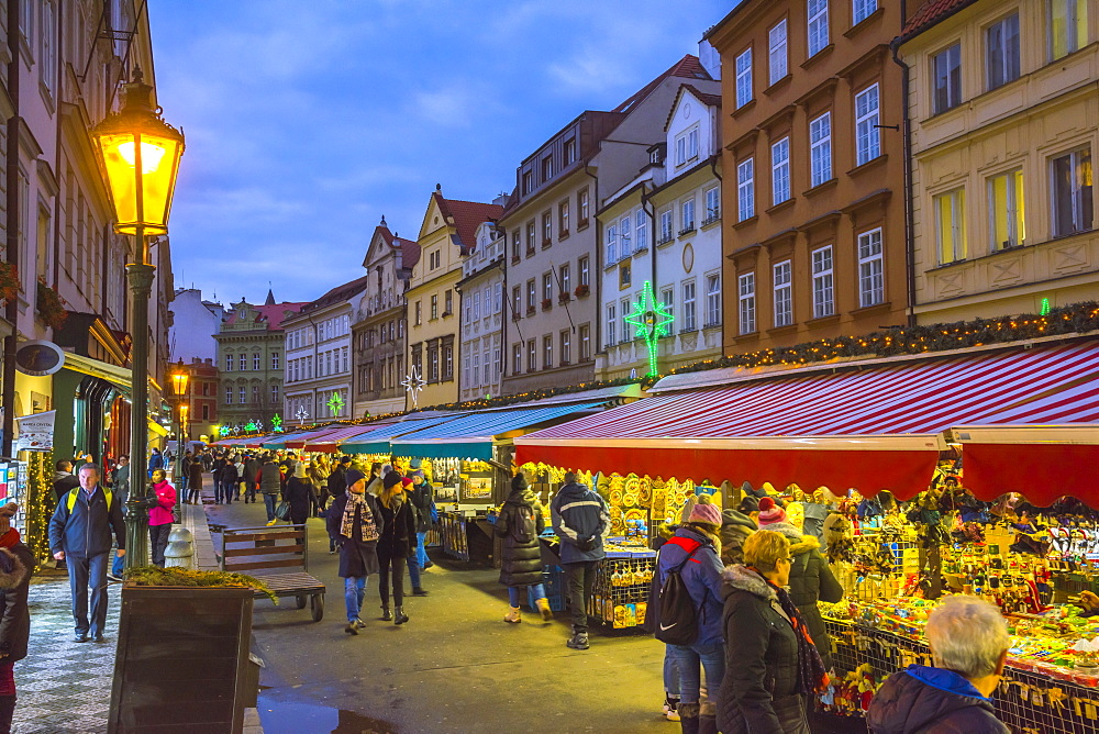 Christmas Market, Havelska Market Place, Stare Mesto (Old Town), Prague, Czech Republic, Europe