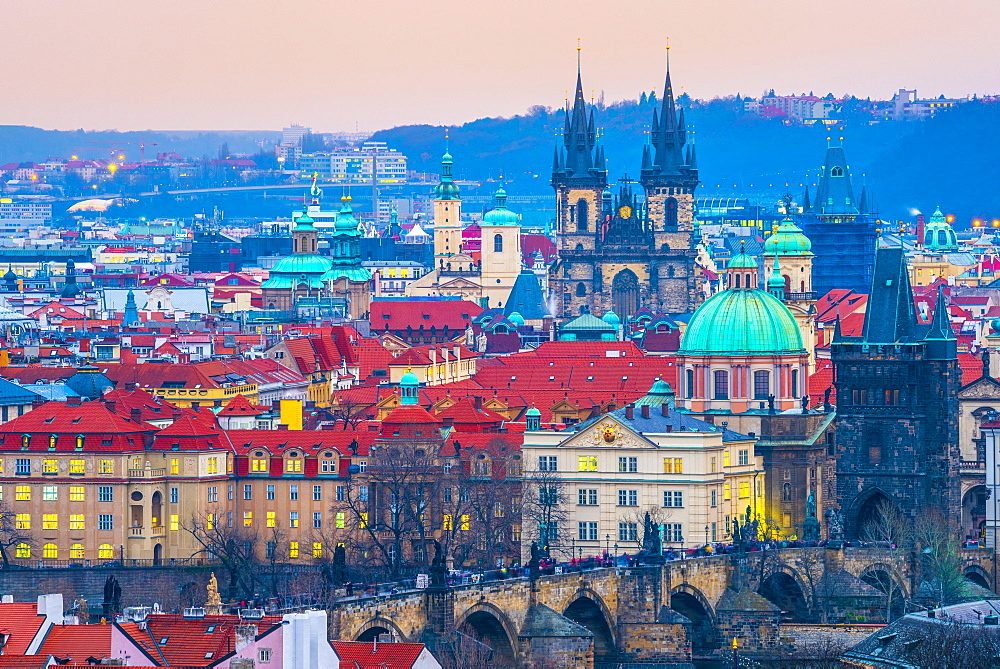 Stare Mesto, including Charles Bridge (Karluv Most) and Church of Our Lady Before Tyn, Stare Mesto (Old Town), UNESCO World Heritage Site, Prague, Czech Republic, Europe - 828-1199