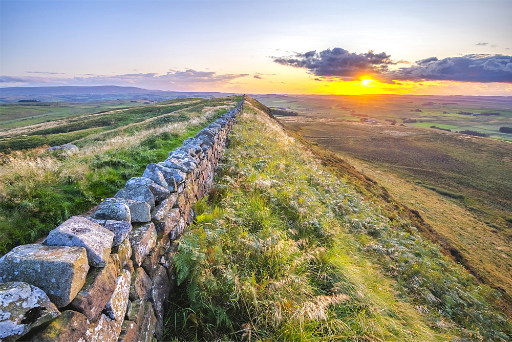 Winshield Crags, Hadrian's Wall, UNESCO World Heritage Site, Melkridge, Haltwhistle, Northumberland, England, United Kingdom, Europe