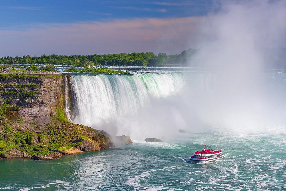 Horseshoe Falls, Hornblower Boat Tour, Niagara Falls, Ontario, Canada, North America