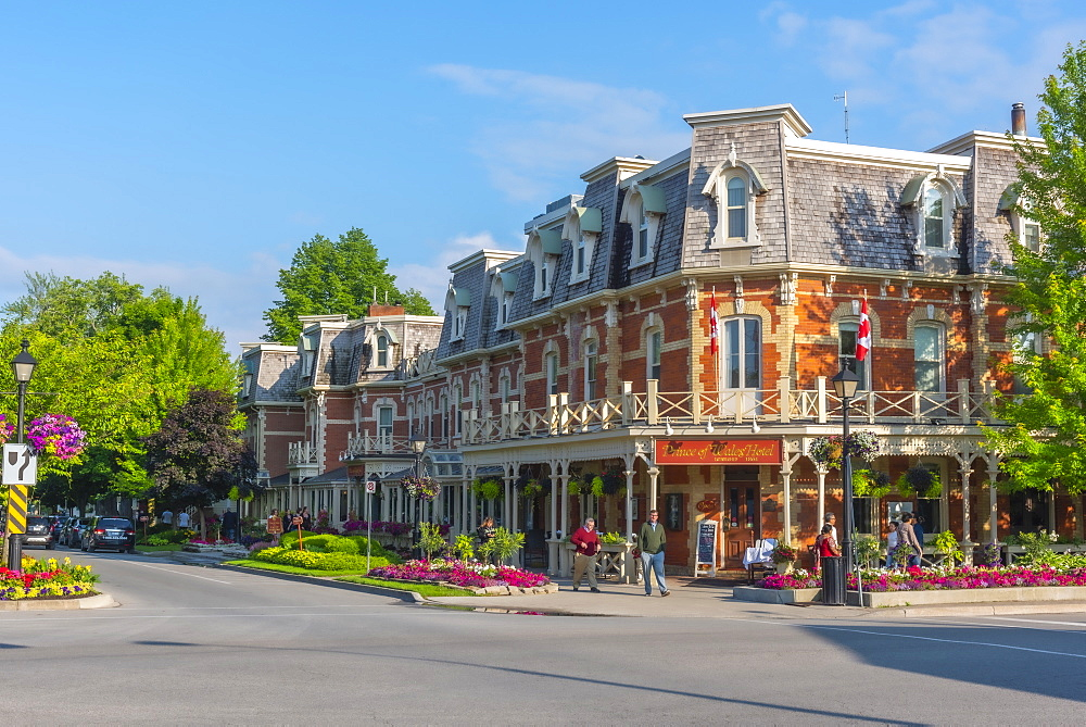 Corner of King Street and Queen Street, Prince of Wales Hotel, Niagara-on-the-Lake, Ontario, Canada, North America