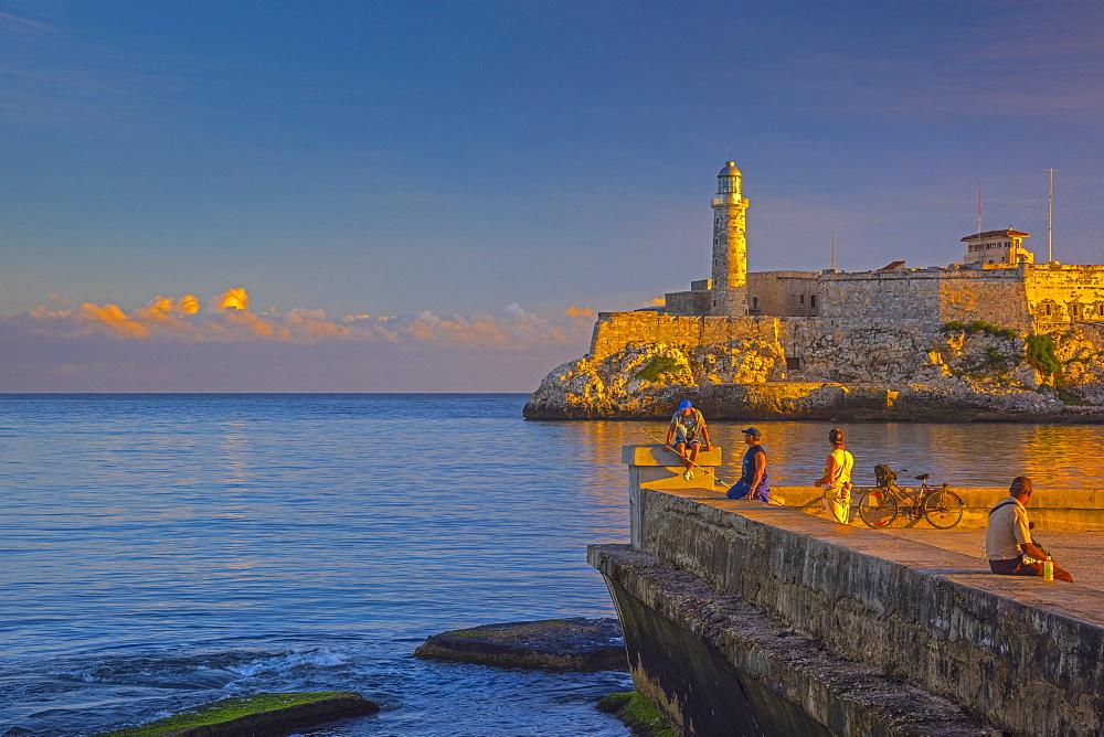 Castillo del Morro (Castillo de los Tres Reyes del Morro) (El Morro), Havana, Cuba, West Indies, Caribbean, Central America