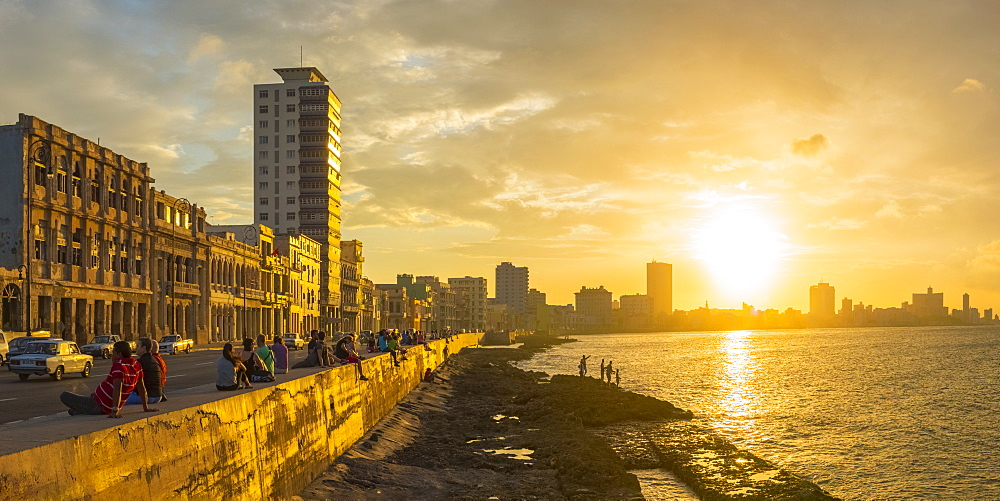 The Malecon, Havana, Cuba, West Indies, Caribbean, Central America