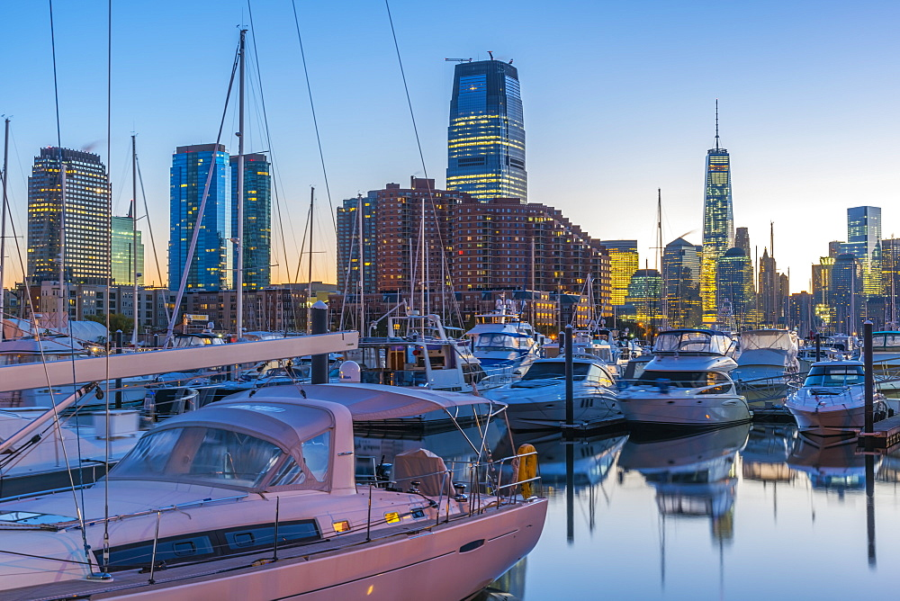 Paulus Hook, Morris Canal Basin, Liberty Landing Marina, with New York skyline of Manhattan, Lower Manhattan and World Trade Center, Freedom Tower beyond, Jersey City, New Jersey, United States of America, North America