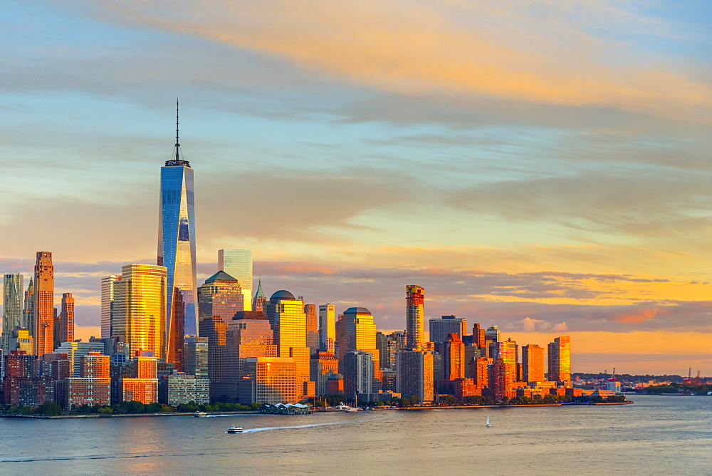 New York skyline, Lower Manhattan, World Trade Center, Freedom Tower, across Hudson River, New York State, United States of America, North America