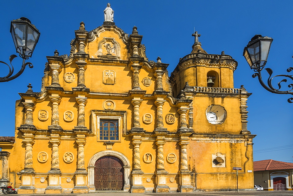Mexican-style baroque facade of the Iglesia de la Recoleccion church built in 1786 in this historic North West city, Leon, Nicaragua, Central America