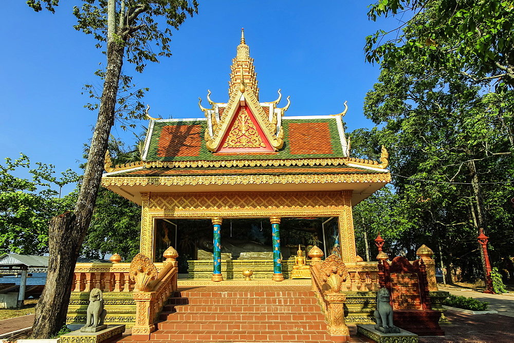 Sleeping Buddha pavilion at Wat Traeuy Kaoh temple on Fish Island across the river from this old colonial port, Kampot, Cambodia, Indochina, Southeast Asia, Asia - 83-13148